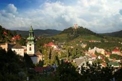 Kalvária Banská Štiavnica, vpredu vľavo Starý zámok