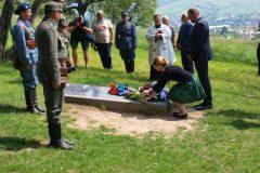 Položenie vencov na hrob vojaka Františka Broža