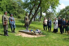 Pán dekan Norbert Ďurdík vykonal pohrebné obrady