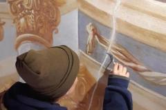 Reštaurovanie fresky v Stredom kostole (Sväté schody)