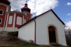 Kaplnka Božieho hrobu sa nachádza za Horným kostolom
