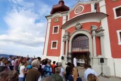 Sv. omša po 40 rokoch v obnovenom Hornom kostole