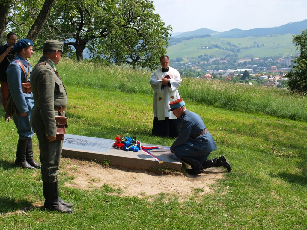 legionári si uctili hrob Františka Broža